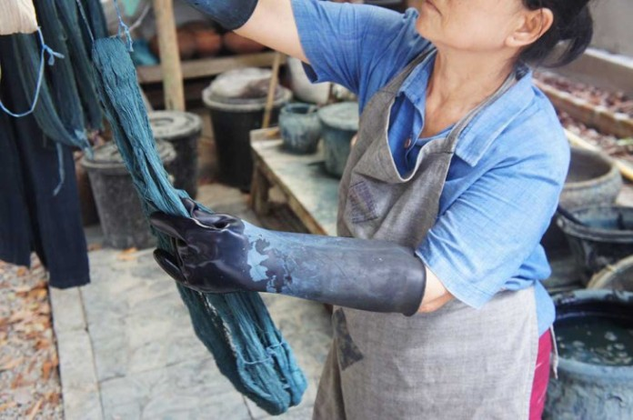 Indigo Dyeing Web